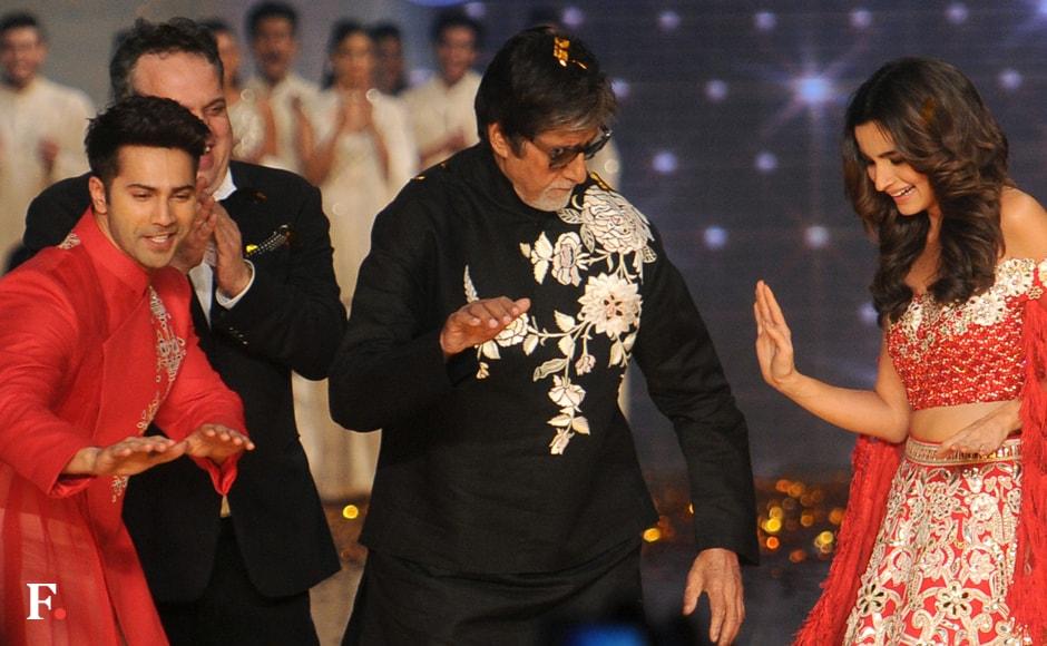 Amitabh Bachchan shakes a leg with the Badrinath Ki Dulhania couple. Sachin Gokhale/Firstpost
