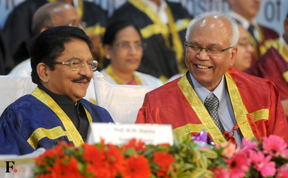 Rao shares a light moment with Mashelkar. Sachin Gokhale. Firstpost.