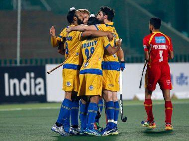 JP Warriors players celebrate win over Ranchi Rays. Twitter/ @HockeyIndiaLeag