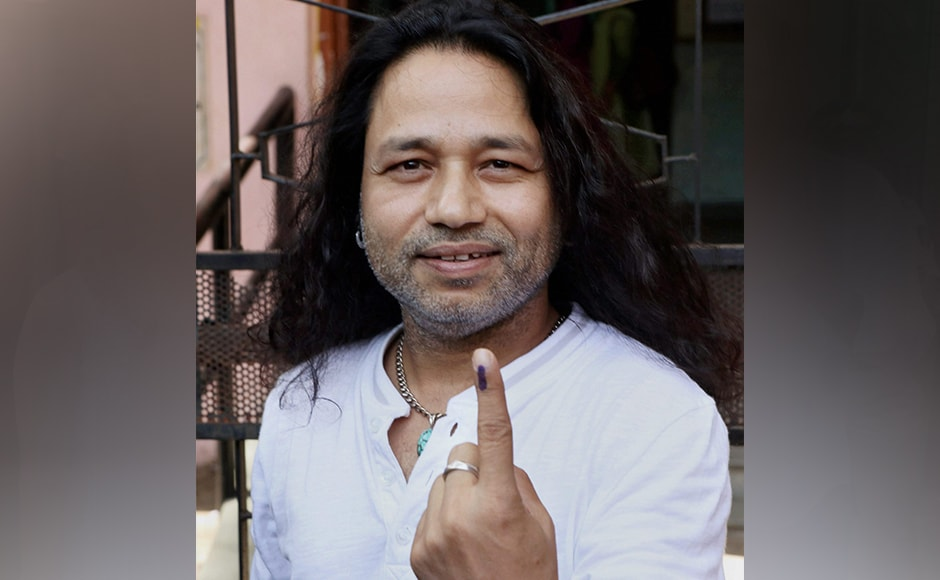 Bollywood singer Kailash Kher after casting his vote at Juhu in Mumbai on Tuesday. PTI