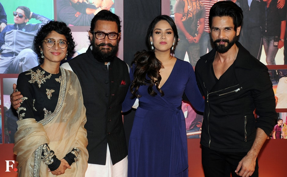 Aamir Khan, Kiran Rao pose with Shahid and Mira Kapoor. Sachin Gokhale/Firstpost