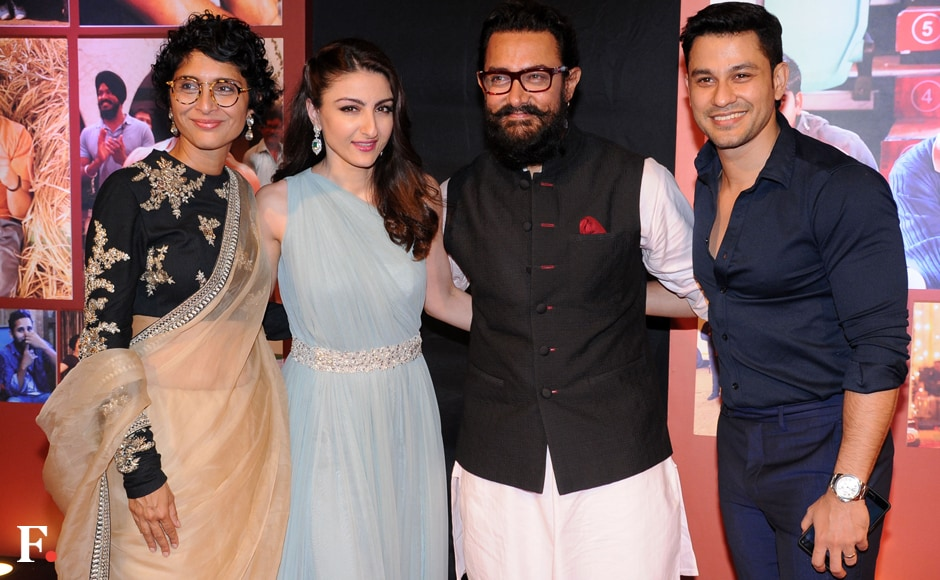 Aamir Khan and Kiran Rao with Soha Ali Khan and Kunal Khemu. Sachin Gokhale/Firstpost
