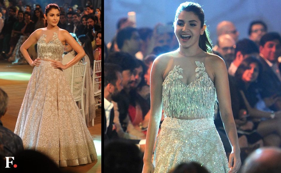 Anushka Sharma walks the ramp. Sachin Gokhale/Firstpost