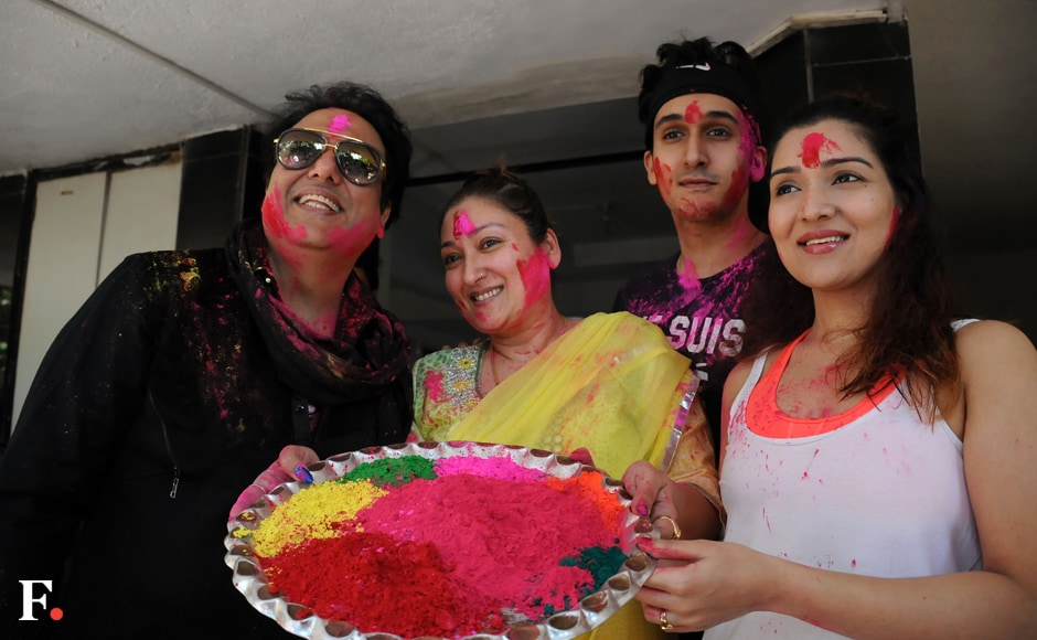 Govinda-with-family