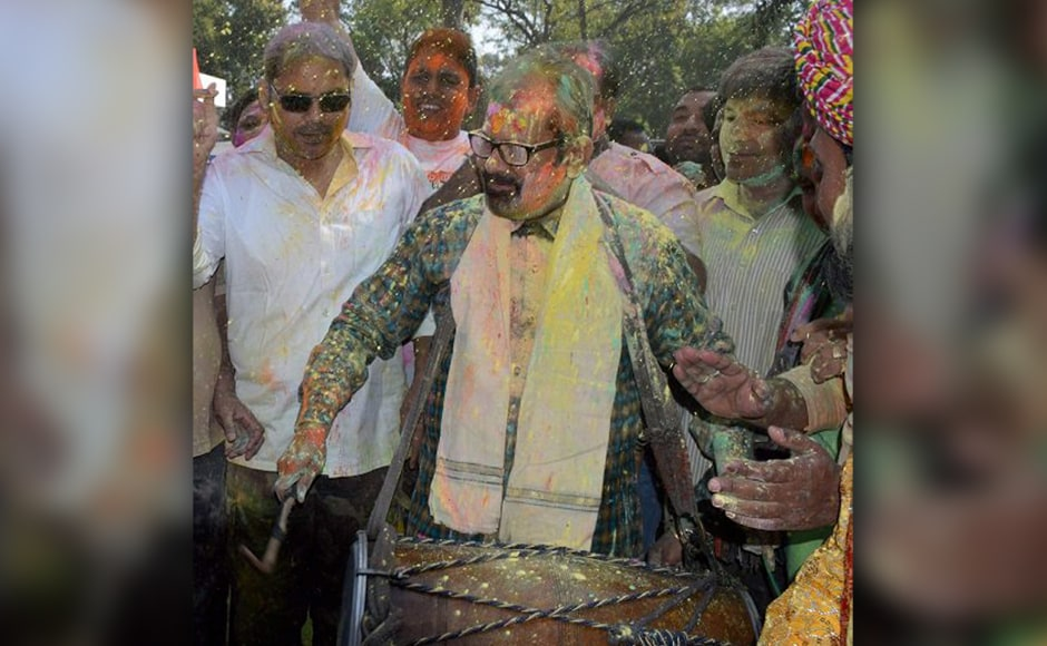 New Delhi: Union Minister of State for Minority Affairs (Independent Charge) & Parliamentary Affairs Mukhtar Abbas Naqvi celebrating Holi at his residence in New Delhi on Monday. PTI