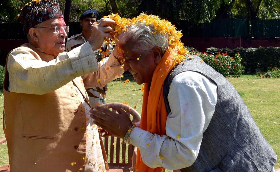 New Delhi: Senior BJP leader Murli Manohar Joshi celebrating Holi at his residence in New Delhi on Monday. PTI
