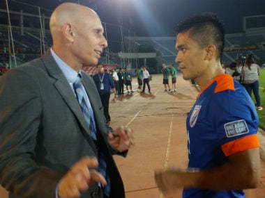 India coach Stephen Constantine (L) with captain Sunil Chhetri. Image courtesy: Twitter/@IndianFootball