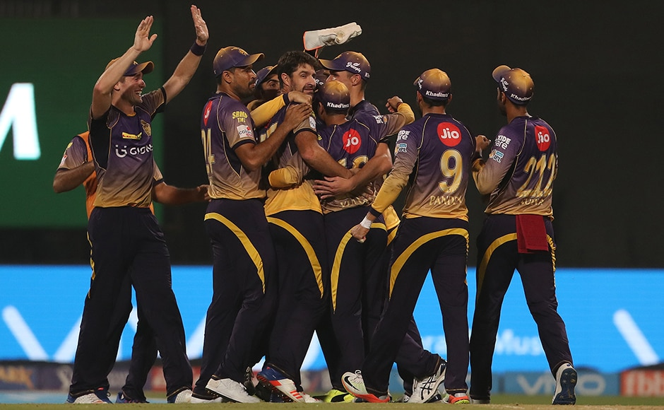 Kolkata celebrate the win during match 27 of the Vivo 2017 Indian Premier League between the Kolkata Knight Riders and the Royal Challengers Bangalore held at the Eden Gardens Stadium in Kolkata, India on the 23rd April 2017<br />Photo by Ron Gaunt - Sportzpics - IPL