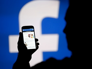 How to change the default language on Facebook
