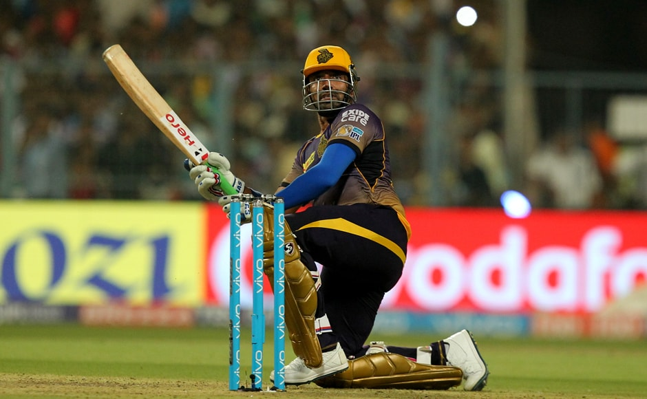 Robin Uthappa of Kolkata Knight Riders plays a cheeky shot against Gujarat Lions in an IPL game at the Eden Gardens. Sportzpics - IPL