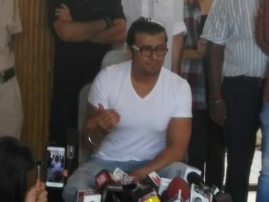 Sonu Nigam responds to 'fatwa' by shaving head; says azaan tweet is 'social topic, not religious issue'