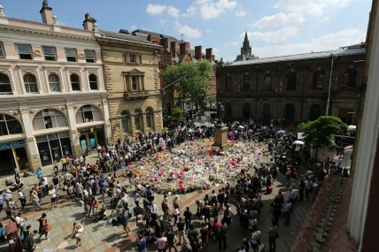 Tributes in St Ann's Square, Manchester, to remember the victims of the terror attack in the city earlier this week. PRESS ASSOCIATION Photo. Picture date: Thursday May 25, 2017. See PA story POLICE Explosion. Photo credit should read: Owen Humphreys/PA Wire