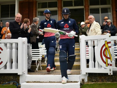 England choose to bat first in the 3rd ODI against South Africa. AFP