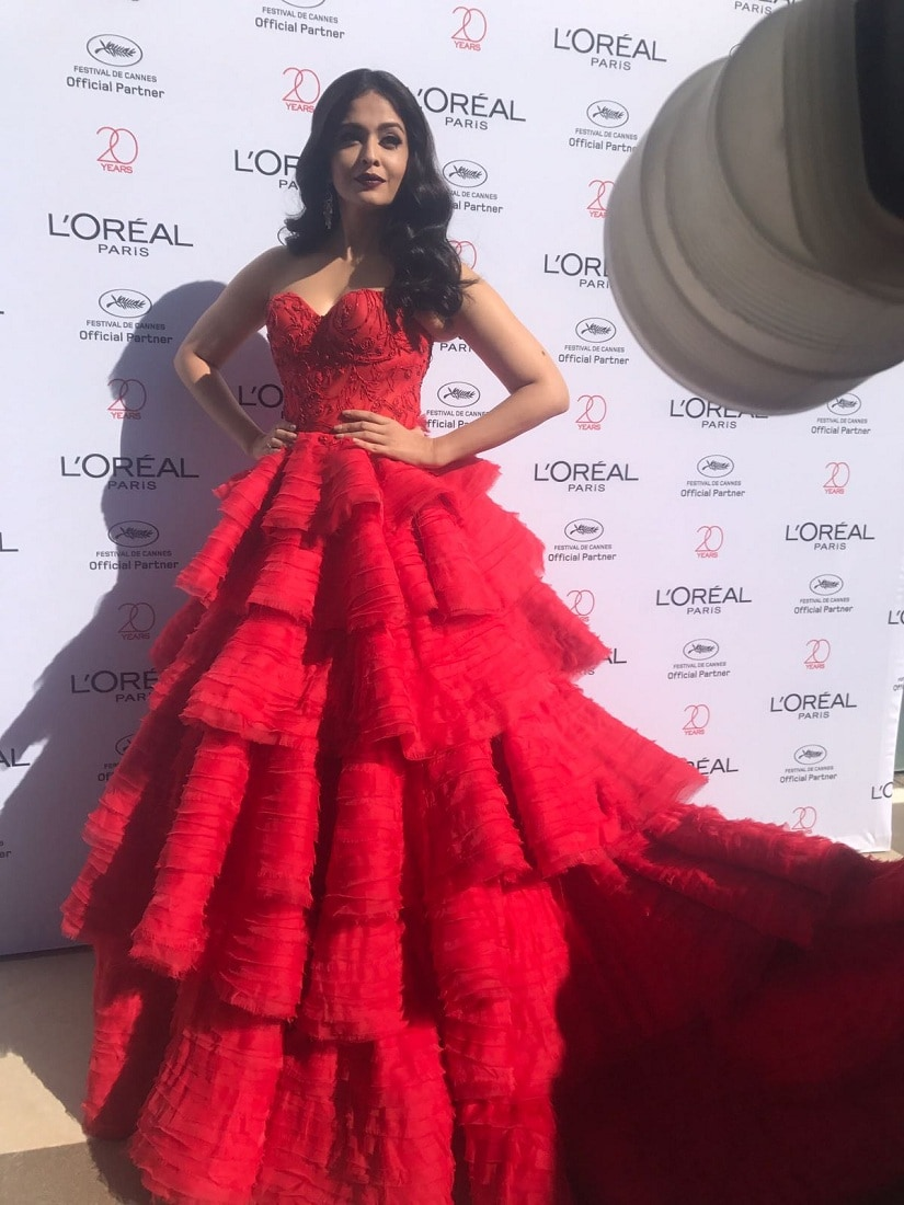 First Look - Aishwarya Rai Bachchan takes the red carpet by storm on her Day 4 of Cannes Film Festival 2017 (1)