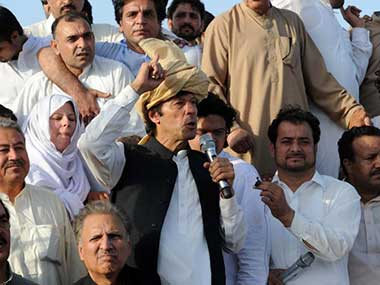 Imran Khan accuses Sharif for taking money from Al Qaeda