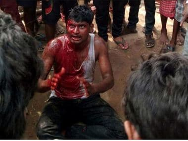 A man was beaten bloody by a mob on rumours that he was a child abductor. Image Courtesy: Twitter(@awryaditi4)