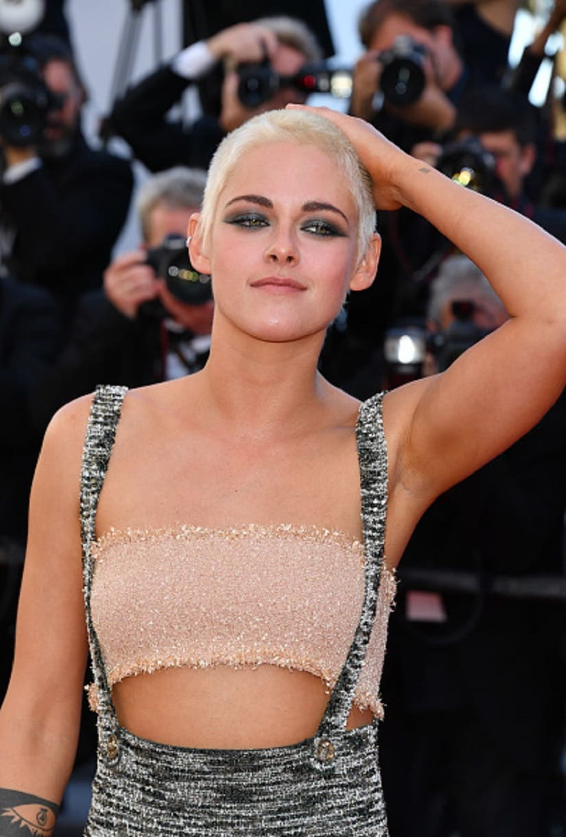 """CANNES, FRANCE - MAY 20: Actress Kristen Stewart attends the """"120 Beats Per Minute (120 Battements Par Minute)"""" screening during the 70th annual Cannes Film Festival at Palais des Festivals on May 20, 2017 in Cannes, France. (Photo by George Pimentel/WireImage)"""