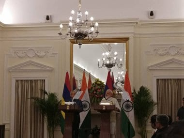 Prime Minister Narendra Modi and Mauritian counterpart Pravind Jugnauth addressing a joint press conference. Twitter @MEAIndia