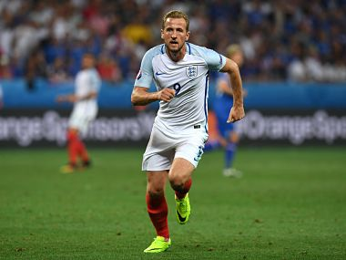 England's forward Harry Kane runs during Euro 2016 round of 16 football match between England and Iceland at the Allianz Riviera stadium in Nice on June 27, 2016. / AFP PHOTO / PAUL ELLIS