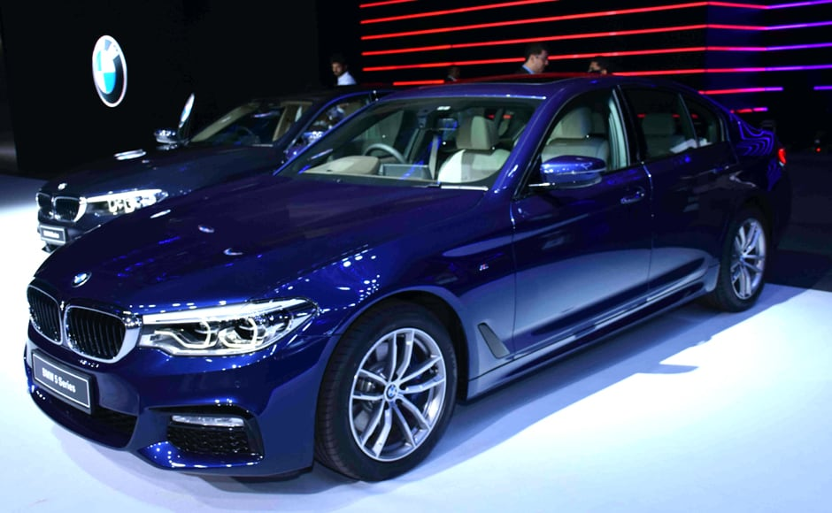 Hindustan Times mentioned that the luxury series would be available in three engine configurations: a 520i with a 2.0-litre petrol engine, a 520d with a 2.0-litre diesel engine, and a 530d with a 3.0-litre diesel engine, all connected to an eight-speed automatic gearbox. Solaris