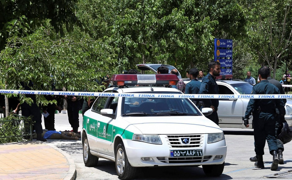 Iran shootouts: Twin suicide bombings rock Tehran; 7 killed as Islamic State claims attack