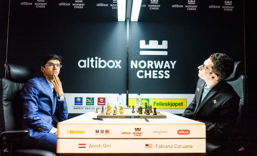 When you're among the world's top 10, you don't need the board to calculate moves. Image courtesy: Lennart Ootes