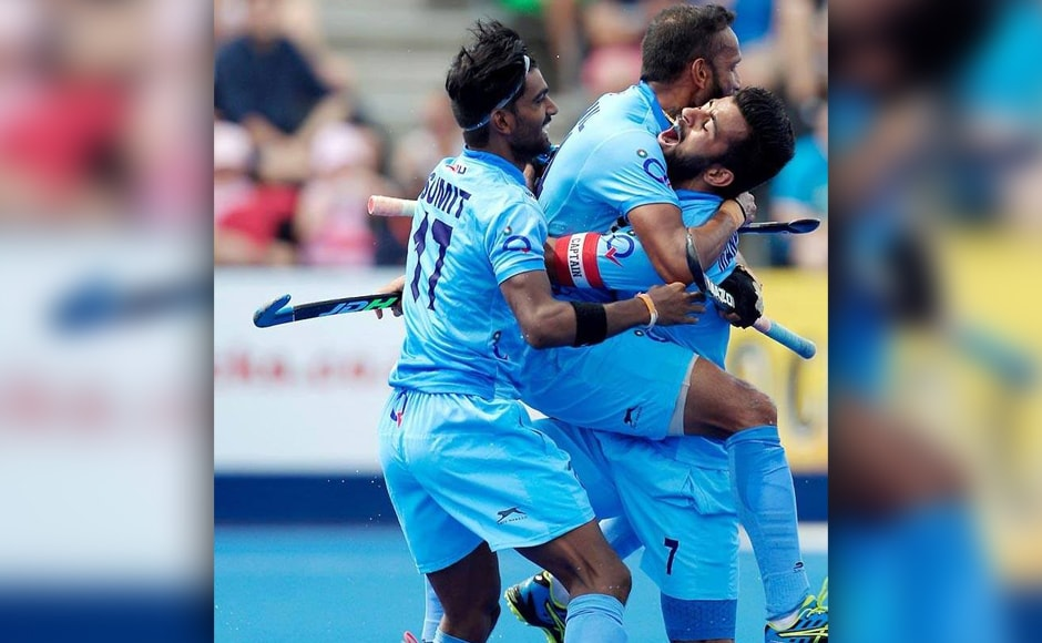 Indian hockey players celebrate scoring against Pakistan. Coming into the match, four-time world champions Pakistan had conceded four and six goals in consecutive losses to the Netherlands and Canada, respectively. Image courtesy: Twitter/@TheHockeyIndia