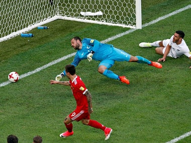 Soccer Football - Russia v New Zealand - FIFA Confederations Cup Russia 2017 - Group A - Saint Petersburg Stadium, St.Petersburg, Russia - June 17, 2017 Russia's Fedor Smolov scores their second goal REUTERS/Grigory Dukor - RTS17HAF