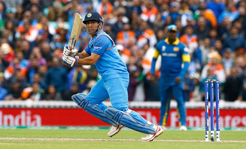 Britain Cricket - India v Sri Lanka - 2017 ICC Champions Trophy Group B - The Oval - June 8, 2017 India's MS Dhoni in action Action Images via Reuters / Peter Cziborra Livepic EDITORIAL USE ONLY. - RTX39MT2