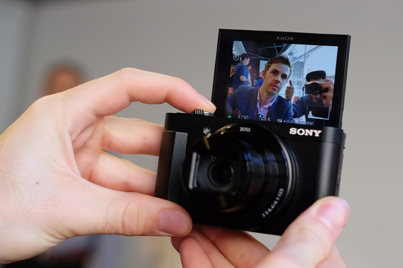 Sony-HX90V-hands-on-2