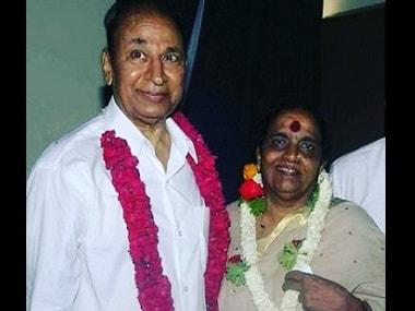 Dr Rajkumar with Parvathamma. Image via Twitter
