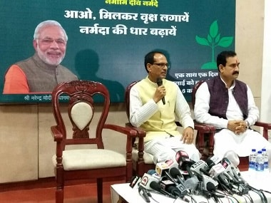 Shivraj Chouhan addressing a press conference on farmers' issues. Twitter/ @CMMadhyaPradesh
