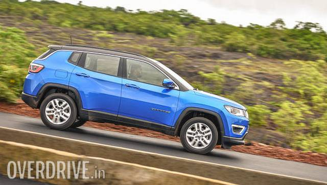 The 6-speed manual gearbox is the highlight of the 2017 Jeep Compass.