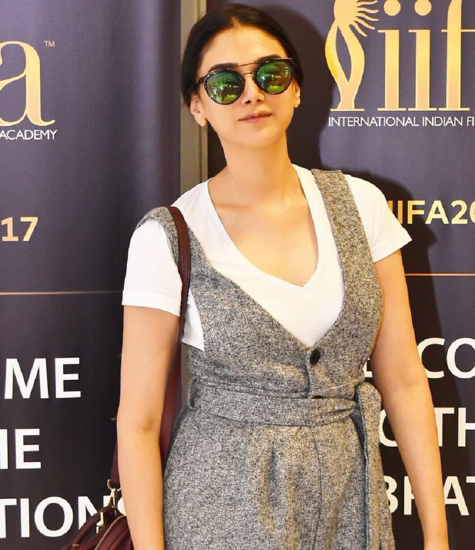 Aditi Rao Hydari was also photographed after landing in New York. Image from Twitter/IIFA.