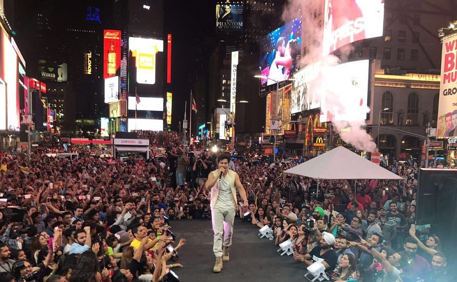 Varun Dhawan performed to a packed audience at Times Square. Image from Twitter/IIFA.