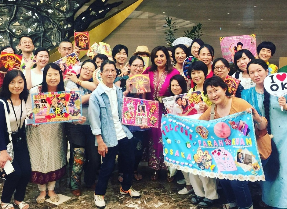 Farah Khan with her Japanese fans at the musical. Image from Twitter.