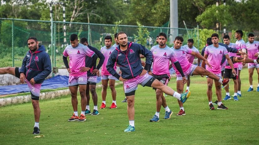 Jaipur Pink Panthers' senior players will have to carry the team to victory in season 5 of Pro Kabaddi. Twitter/@JaipurPanthers