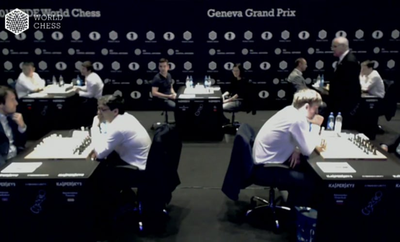 Players getting ready for Round 4