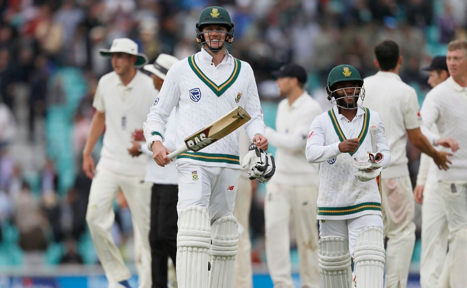 Toby Roland-Jones marks impressive debut as South Africa falter in trying English conditions on Day 2