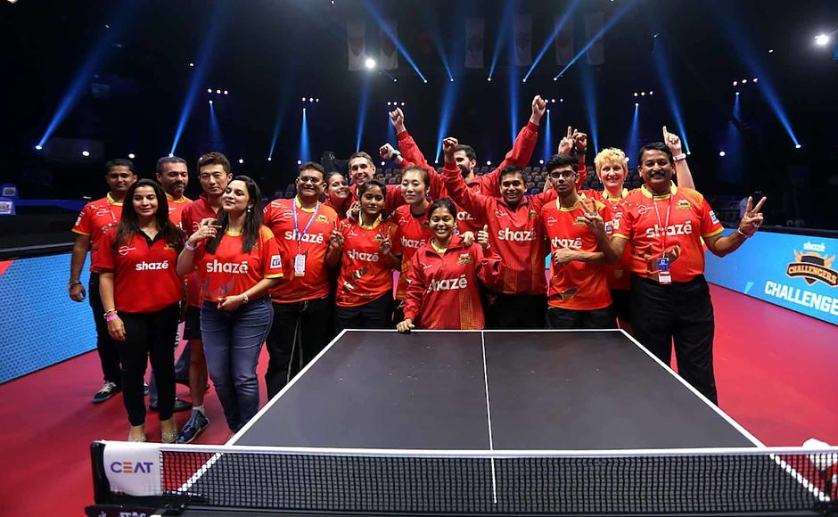 Shaze Challengers pose after winning the semi-final. Image courtesy: Facebook/ @UltimateTableTennis