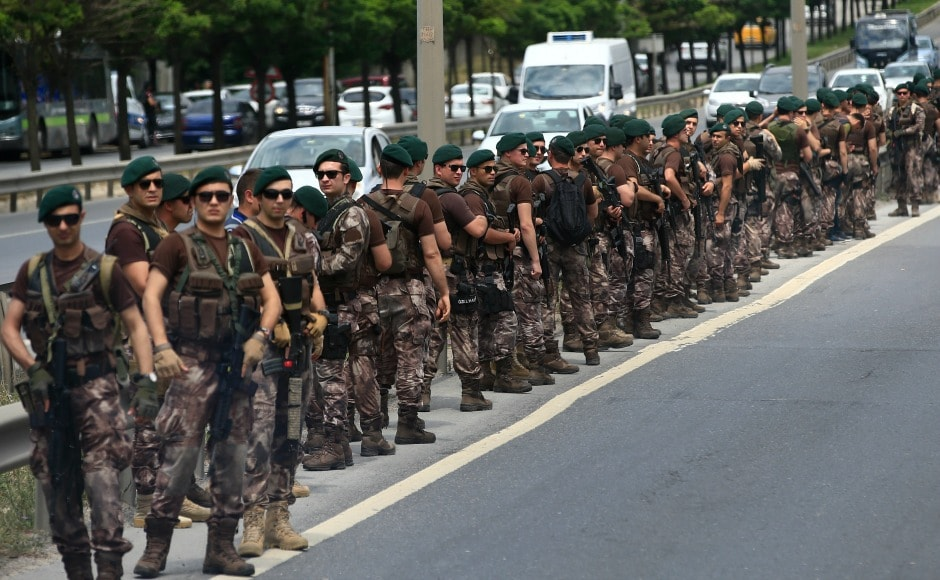 Turkish Army officers lined the highway as the march continued. Previously, Kilicdaroglu had announced that he would walk the final three kilometres alone.AP