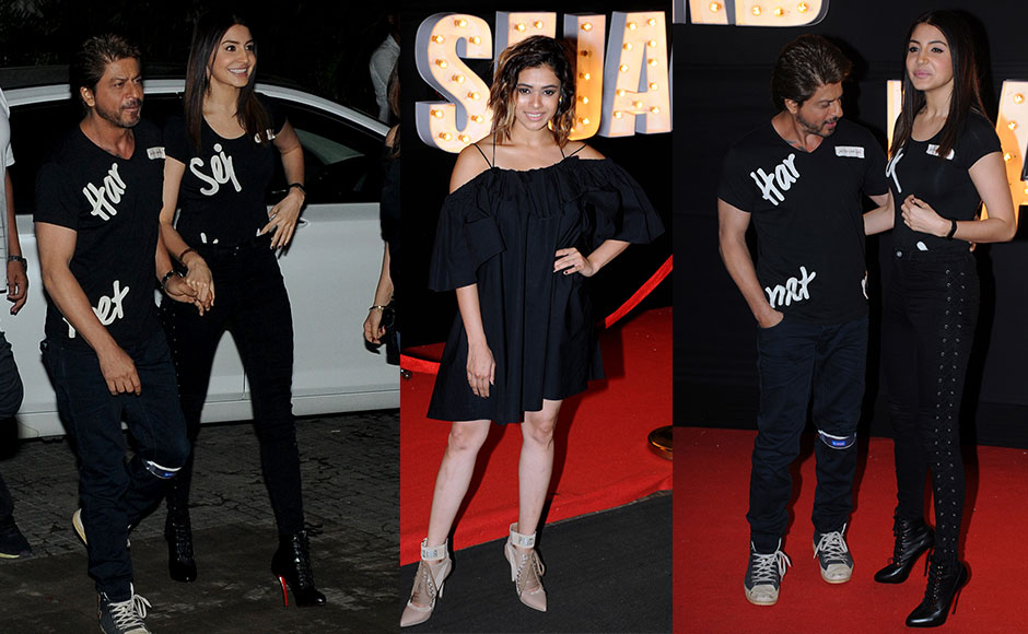 The cast of Jab Harry Met Sejal unveiled a new song from the film, titled 'Beech Beech Mein' at an event in Mumbai on 3 July 2017. The film's lead pair —Shah Rukh Khan and Anushka Sharma — 'introduced the song'. Shalmali Kholgade who has sung the number, was also seen at the event, and obliged the gathered crowd by singing a few verses from 'Beech Beech Mein'. Photo: Sachin Gokhale/Firstpost