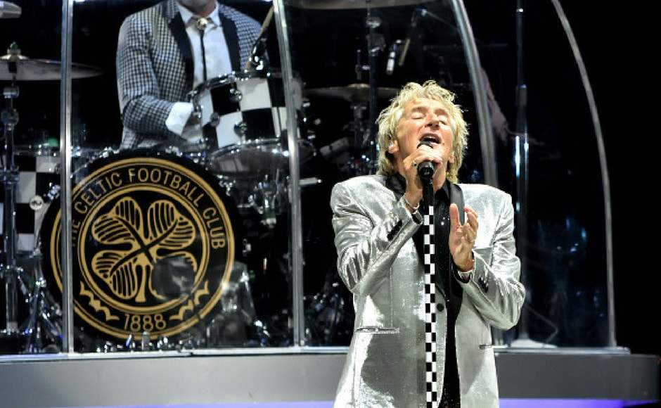 Rod Stewart performs at Northwell Health at Jones Beach Theater on July 18, 2017 in Wantagh, New York. (Getty Images)