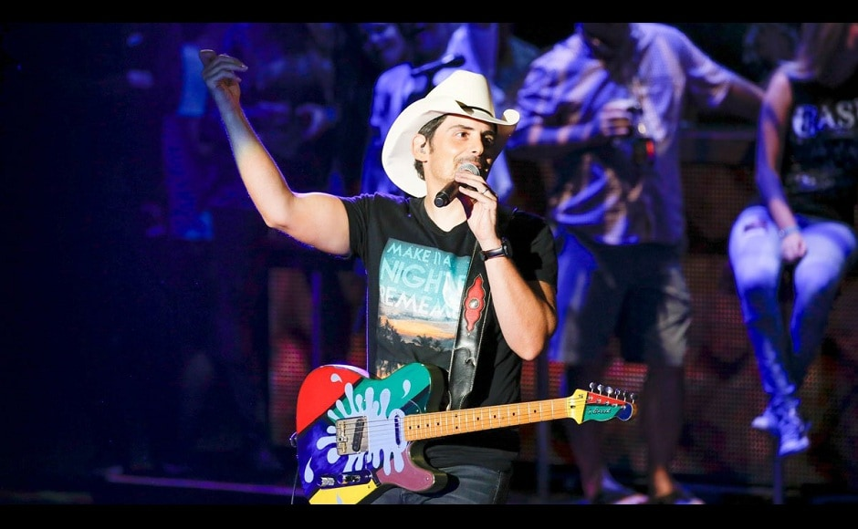 Country star Brad Paisley also performed at Macy's 4th of July Fireworks Spectacular. Image from Macy's/Twitter.