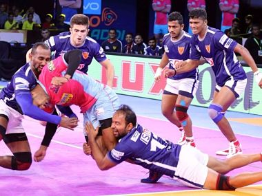 Dabang Delhi scripted a remarkable comeback to win their tie against Jaipur Pink Panthers. Image courtesy: www.prokabaddi.com