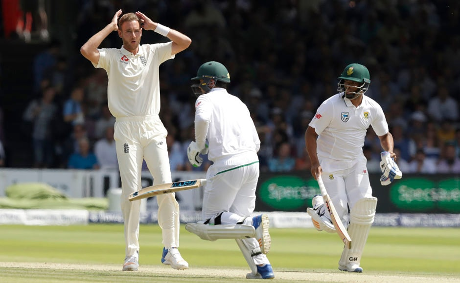 However Quinton de Kock was joined in the middle by Vernon Philander who piled on the runs in quick time to close in on England's first innings score. AP