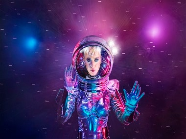 Katy Perry's 'Moonman' look from this year's VMA's. Image from Twitter.