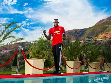 Manchester United signed Romelu Lukaku on a five-year contract, breaking the British transfer record. Image courtesy: Twitter @Manutd