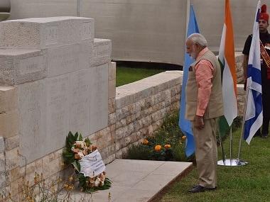 Prime Minister Narendra Modi lays wreathe at the memorial. Twitter/MEAIndia