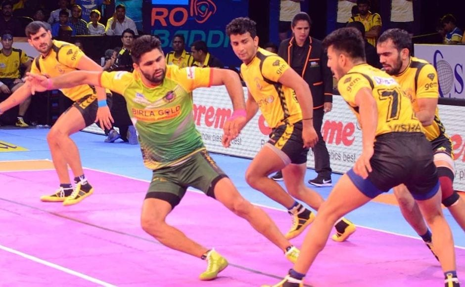 However, Patna Pirates captain Pardeep Narwal became the main difference between both the teams as the star raider led from the front amassing 15 raiding points to force his team back into the lead in a roller-coaster of a match. Image courtesy: www.prokabaddi.com